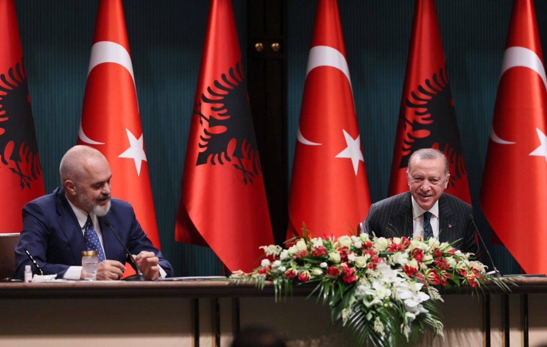 Η Αλβανία αγοράζει τουρκικά drones – Τουρκικό σχέδιο περικύκλωσης της Ελλάδας.