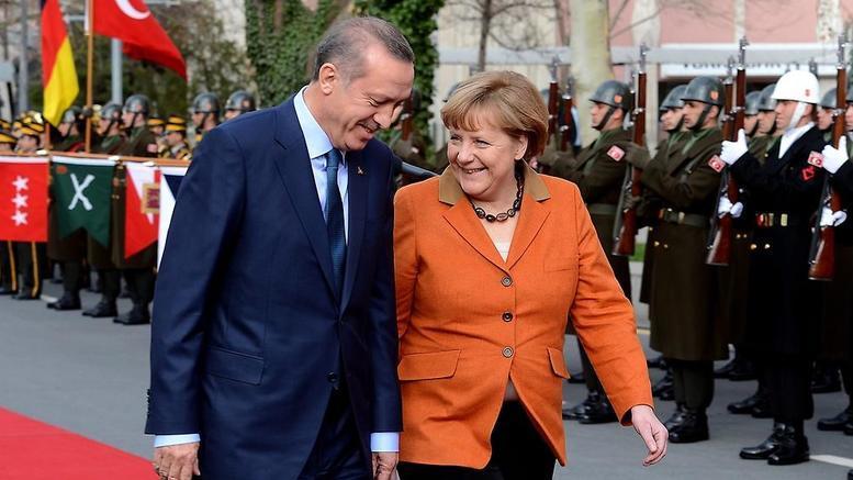 """Και πάλι η Ελλάδα έπαιξε το ρόλο του """"χρήσιμου ηλίθιου"""""""