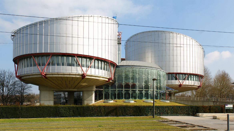 Μια «περίεργη» πρόταση νόμου μετατρέπει την ελληνική δικαιοσύνη σε υποτελή του ΕΔΔΑ