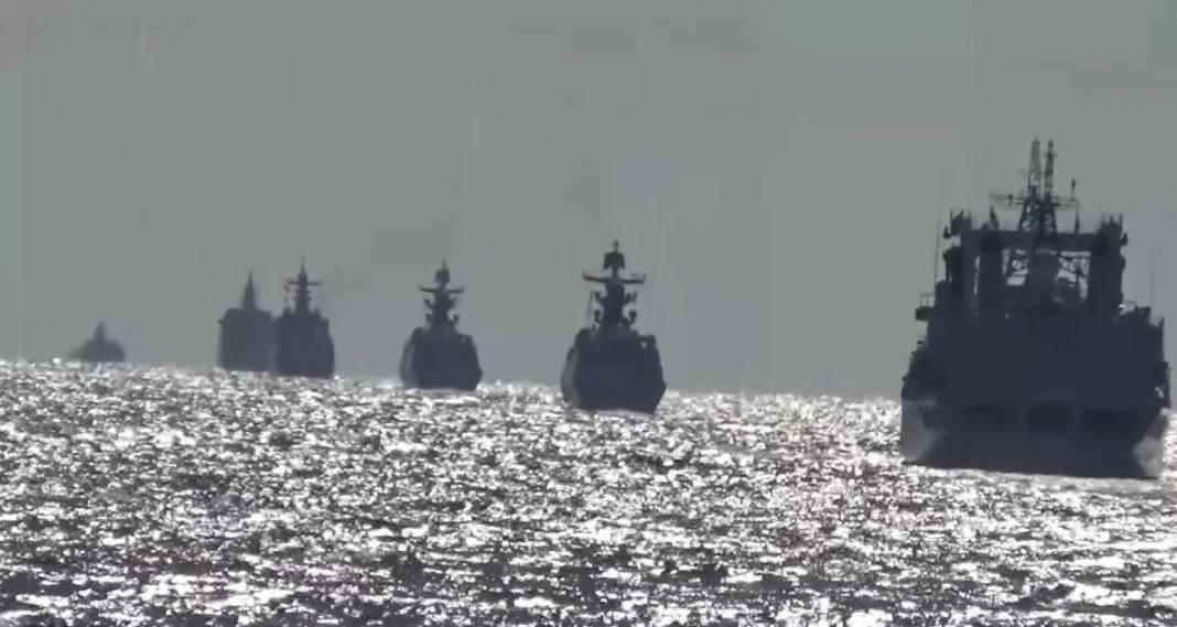 Τύμπανα πολέμου: Με ναυτική άσκηση στον Ειρηνικό, Ρωσία και Κίνα απάντησαν στην AUKUS